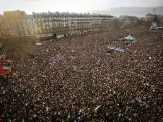 French protestors are rising up in their millions against a ruling class in France determined to take away their rights.