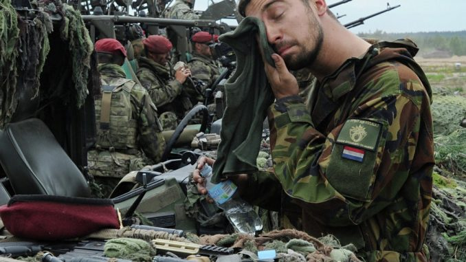 Poland send 35,000 soldiers to fight Russia
