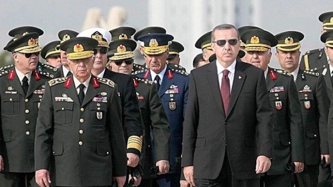 Erdogan positions himself as dictator of Turkey as he purges 20,000 'traitor citizens' from Turkey