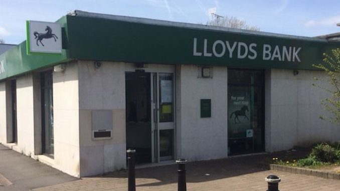 Lloyds bank cut thousands of jobs and close branches amid meltdown