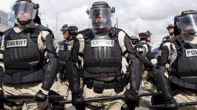 US police begin their war on the US public