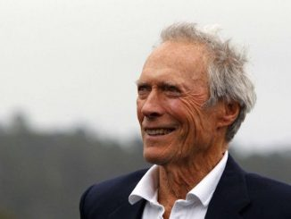 """Clint Eastwood has slammed Hilary Clinton for""""making a lot of dough out of being a politician"""" and declared his intention to support Donald Trump in the upcoming election."""
