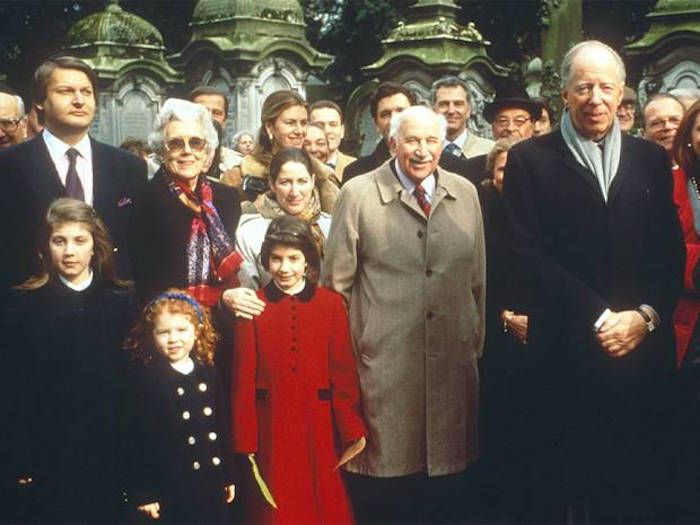 An increasingly number of people are waking up to the fact that 99% of the Earth's population is controlled by an elite 1% - but did you know that one family, the Rothschilds, rule everything, even that elite 1%?