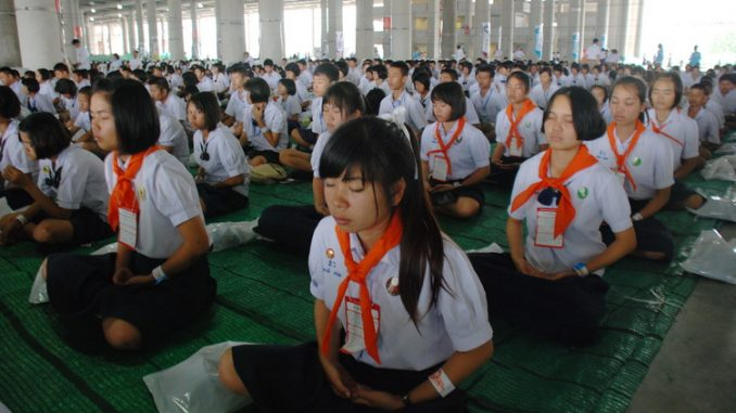 1 million children in Thailand meditate for world peace