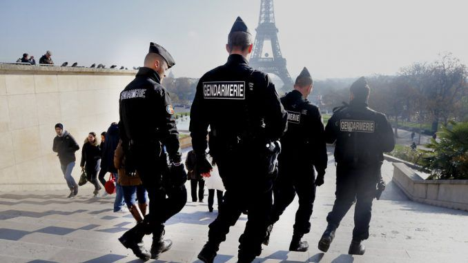 All tourists in France to be accompanied by armed guards