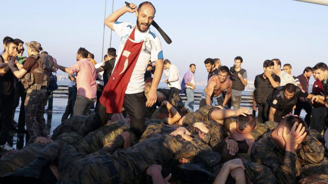 Erdogan orders mass arrest of Turkish citizens amid second coup fears