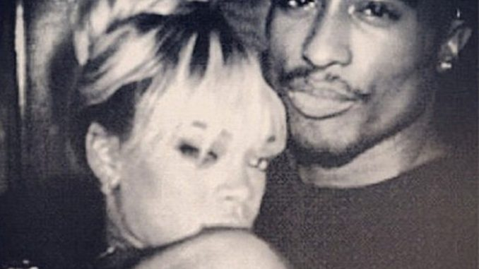 New photograph allegedly shows that Tupac is alive