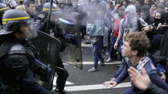 French army prepare for civil war in France