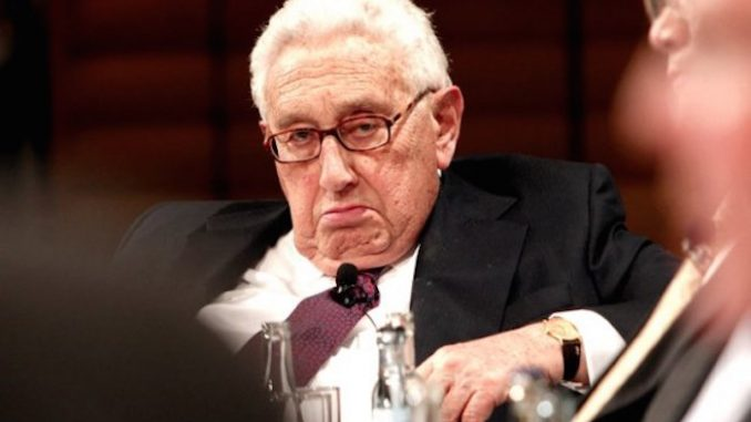 Former Kissinger CEO comes clean and admits that just 30 families completely run the world