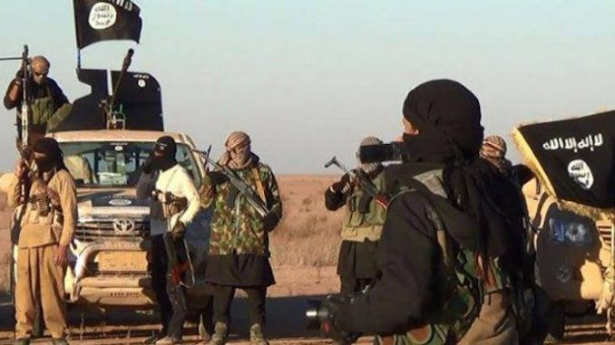 US allow 9,000 ISIS fighters entry into Syria to help topple Assad