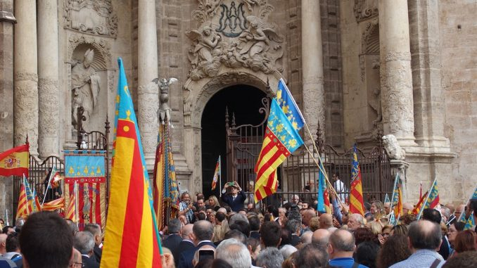 For more than nine months, Spain has existed without a traditional national government, and the people are thriving without them.