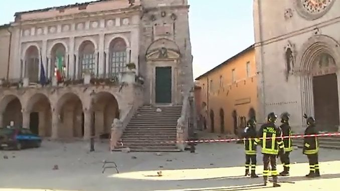 6.6 Earthquake Destroys Ancient Buildings In Italy