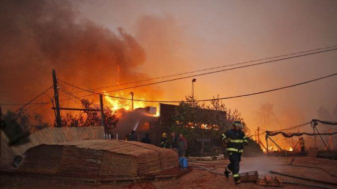 Israeli Settlers Forced To Flee As Wildfires Spread In West Bank