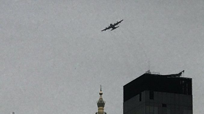 Mysterious 'Doomsday plane' captured flying around Trump Towers in New York city gets residents in a panic