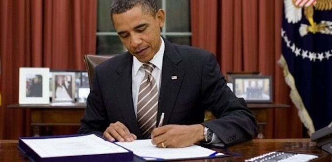 Obama signs executive order protecting American citizens from alien species