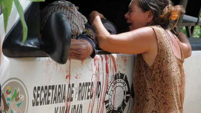 The attempted murder of a US official amid bloody riots and looting have forced the closure of US-Mexico border.