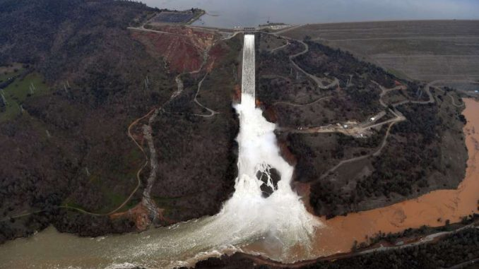 FEMA arrive in Southern California ahead of an imminent dam collapse