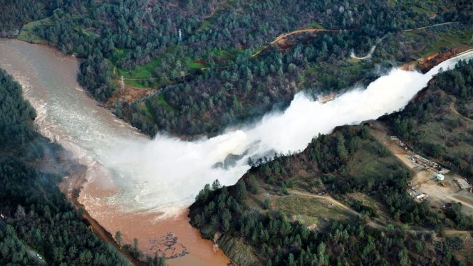 3 dams in California are on the verge of collapse