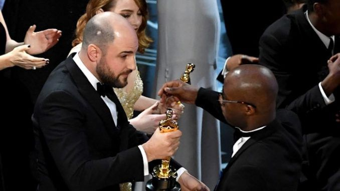 The Oscar for Best Picture was switched at the last possible minute after a backstage argument among executives at the Dolby Theater was won by the pro-Moonlight faction, according to a backstage source.