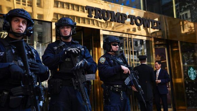 A laptop containing files about the Hillary Clinton email investigation has been stolen from a Secret Service agent, according to the NYPD.