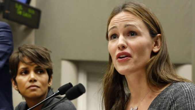 Democratic Party donor Jennifer Garner has endorsed President Trump, promising to help him deliver on promises he made to everyday Americans.