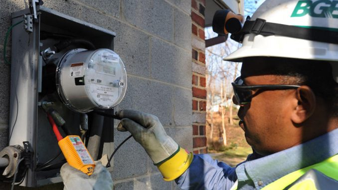 """Smart meters are a scam that """"overcharge consumers by up to 582%"""" while collecting owner's data which is then sold to third parties for further profit, according to an academic study."""