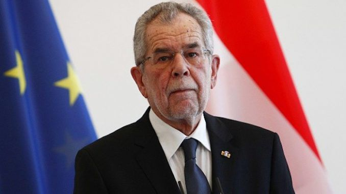 Austrian President threatens that all women will have to wear headscarfs if Islamophobia continues
