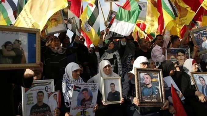 Thousands of Palestinians rise up against Israel