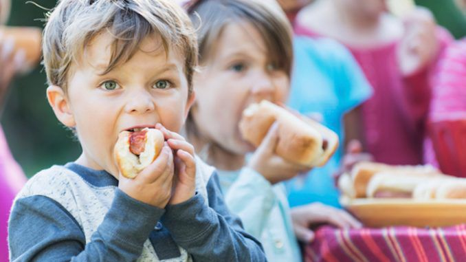 Doctors warn that feeding your kids hot dogs can increase their chances of getting leukemia
