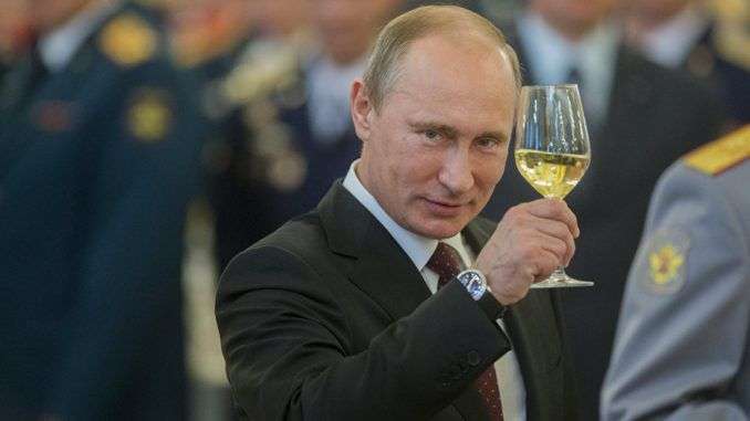 Vladimir Putin completely repays Russias debts to world central banks