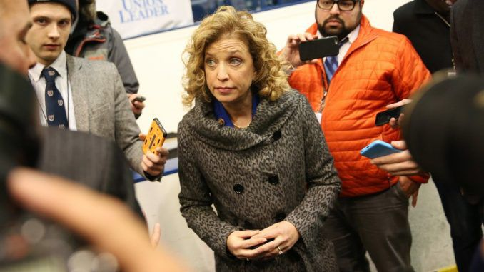 Wasserman Schultz caught meeting man who vowed to murder Julian Assange and Edward Snowden