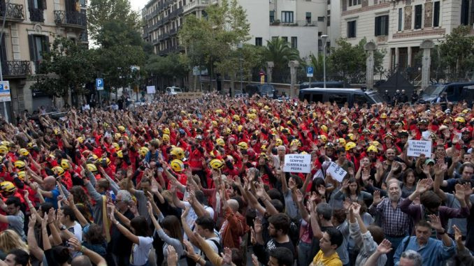Spanish court voids Catalonia independence vote and gears up for civil war