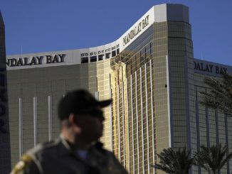Eyewitness claims he saw multiple gunmen on the ground ten minutes before Las Vegas massacre