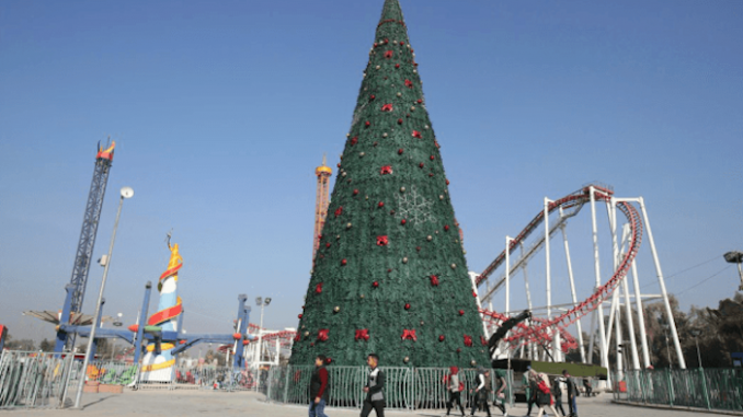 Iraqis erect 30 foot Christmas tree to celebrate fall of ISIS