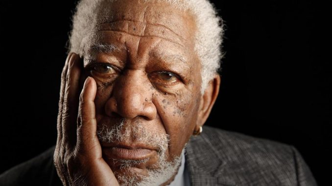 Americans want nothing more for Christmas than seeing Hillary Clinton indicted for her crimes, according to Morgan Freeman.