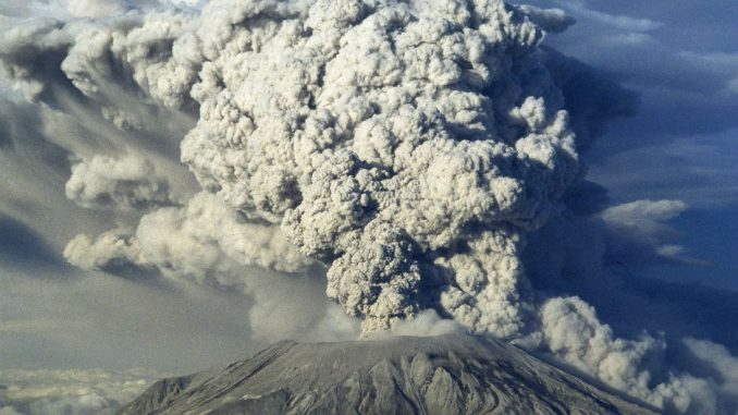 Experts warn Mount St. Helens is about to blow