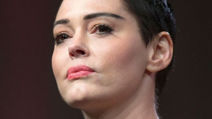 Rose McGowan has gone on the record, telling an audience in New York that if she is found dead, Harvey Weinstein will be the culprit.