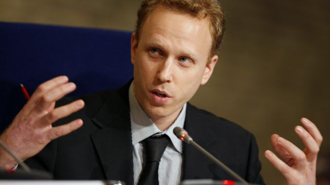 Russia collusion narrative being used to stifle dissent in US, claims Max Blumenthal