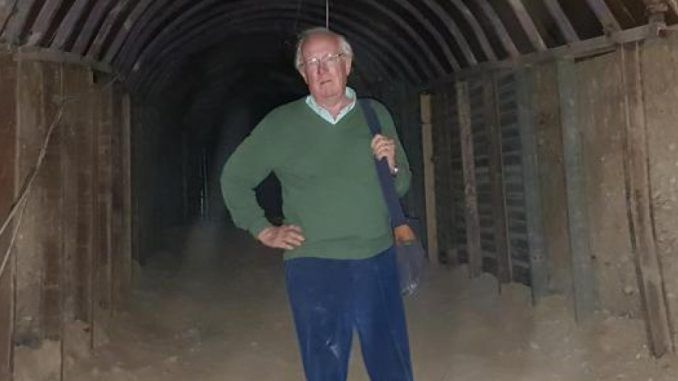 World's top war reporter Robert Fisk visits Syria and concludes there is no evidence of a gas attack