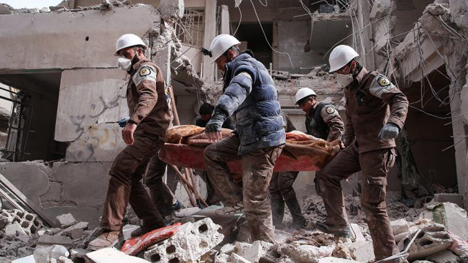 White Helmets treat chemical attack victims without protective gear