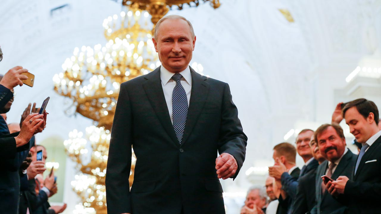 Putin Declares Total Independence From Rothschild-Controlled US Dollar