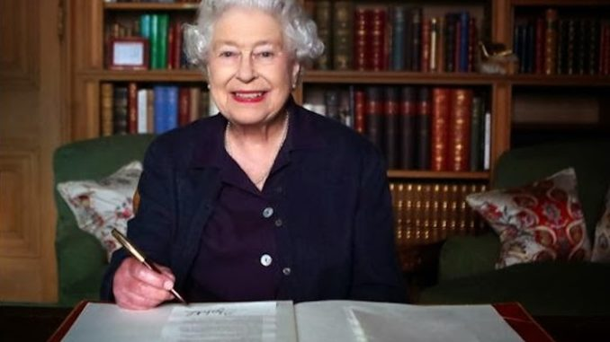 Queen Elizabeth Signs EU Withdrawal Bill, Making Brexit