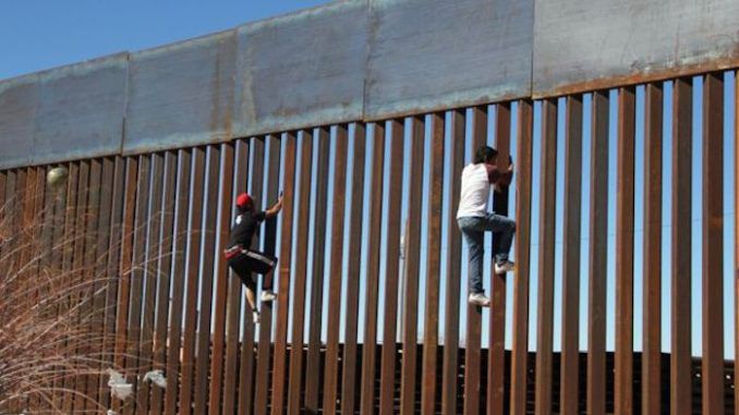 Trump could fine Mexico 2000 dollars per illegal immigrant to help fund border wall