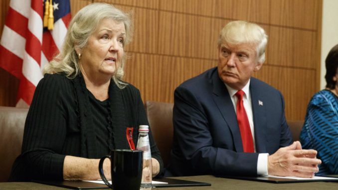 "Juanita Broaddrick says ""it seems only fair"" if the FBI investigate her claims that Bill Clinton raped her in Arkansas in 1978."