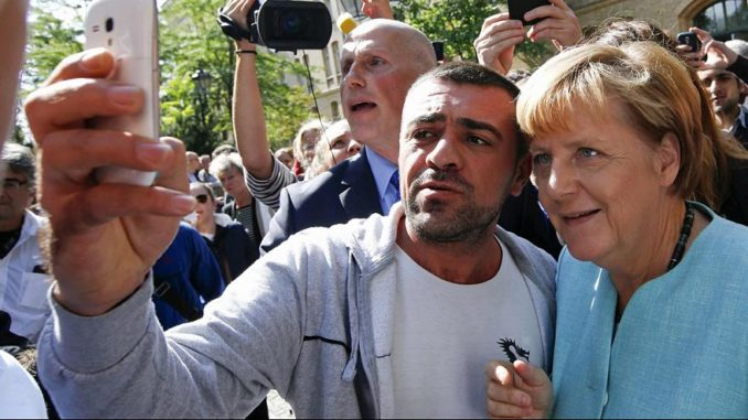 Angela Merkel offers cash to migrants who agree to leave Germany