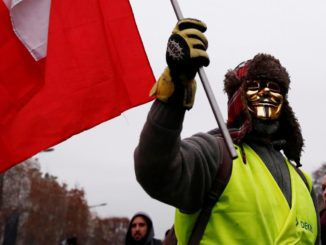 Thousands of French citizens rise up and protest corrupt mainstream media