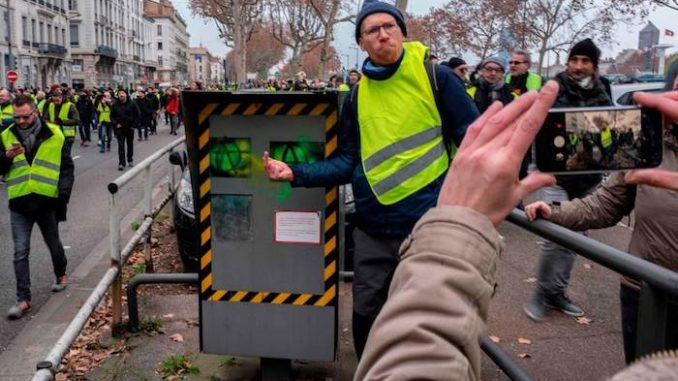 Yellow Vest protestors destroy speed cameras in France