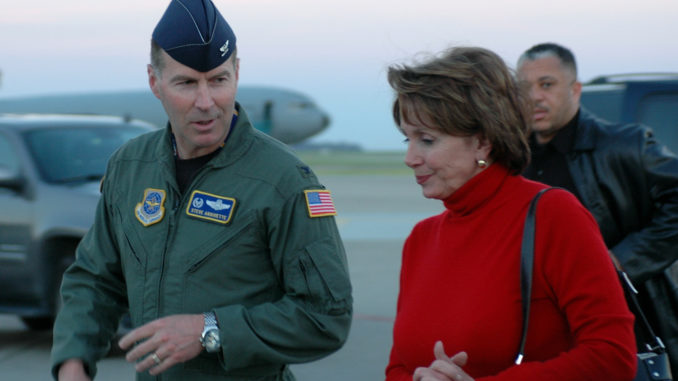 https://cdn.newspunch.com/wp-content/uploads/2019/01/nancy-pelosi-family-airforce-one-678x381.jpg