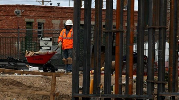 Texas to invest 2.5 billion dollars to help build border wall