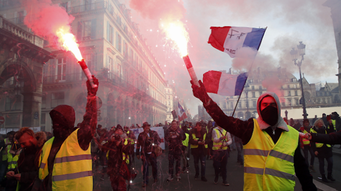 https://www.rt.com/news/450735-france-riot-law-yellow-vests/